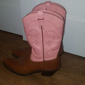 Ariat light pink leather cowgirl boots